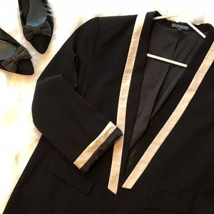 Express Size 8 Black and Cream Tuxedo Blazer
